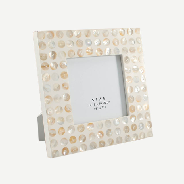 "WHITE RESIN PHOTO FRAME PEARL SHELL BUTTON 4""X4"""
